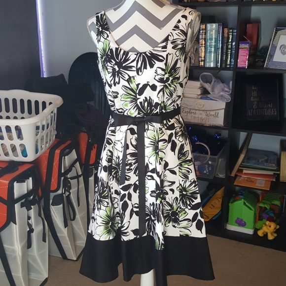 Clothes, Shoes & Accessories Dresses Green Floral Dress With White Ribbon
